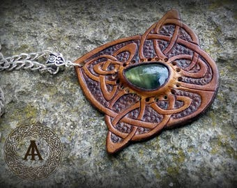Brown Leather Pendant with Labradorite Stone