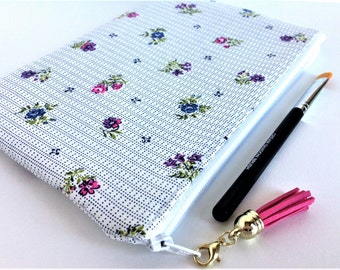 FREE U.S. SHIPPING - Floral Cosmetic Bag - Gift for Her - Floral Zipper Pouch - Floral Makeup Bag - Pretty Makeup Bag - Small Cosmetic Bag