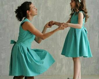 Mutter Tochter passende Kleider in verschiedenen Farben Mami und mir Outfit Mint passende Kleid für Mutter und Tochter Fit und Streulicht