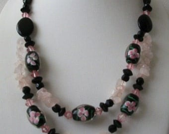 ON SALE Vintage 1940s Italian Murano Lamp Work Artisan Glass Pink Quartz Chips Flat Glass Beads Necklace 112116