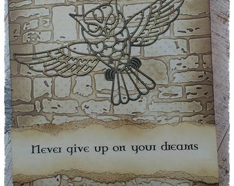 """Inspirational Quote card : Never give up on your dreams"""""""