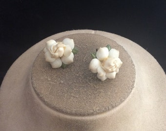Vintage Chunky White & Green Floral Screw Back Earrings