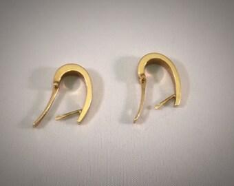 Elegant Gold Swoop Earrings