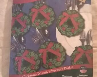 Christmas Wreath Silverware Pockets Design Works Crafts #5534 Karen Harran Holiday Seasonal