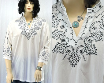 White cotton hand embroidered tunic top plus size 1X 2X Boho Indie hippie kaftan top SunnyBohoVintage