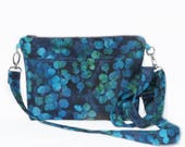 Bobbi Blue Crossbody Purs...