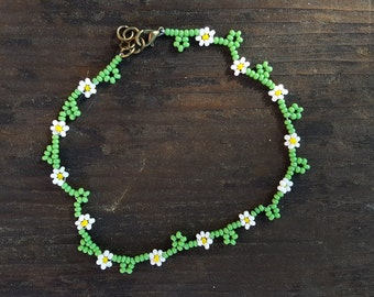 Daisy Chain Seed Bead Anklet, Flower Anklet, Daisy Anklet, Beaded Anklet, Tiny Beads Anklet, Flower Leave Beaded Anklet