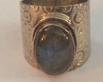 Sterling silver with beautiful labradorite ring size 7.75