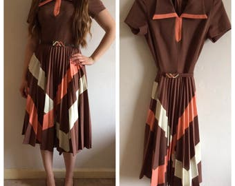 Vintage 1950s collared pleated brown & pink dress