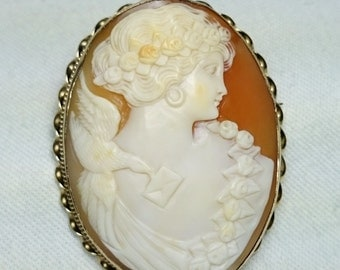 Fine Italian Antique Hand Carved Shell Cameo set in Gold