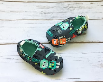 Robot booties, robot shoes, toddler shoes, baby crib shoes, cloth shoes, robot shoes, boy robot booties, bot boy