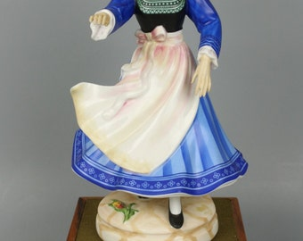 "Royal Doulton Figurine HN2383 ""Breton Dancer"""