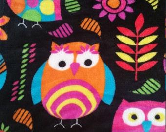 Vibrant Owl Throw Blanket