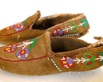 Genuine Antique, Native American Indian, Hand Made & Hand Beaded Moccasins