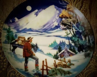 """Avon Collectible Plate, American Portraits Plate Collections, The Rockies 4"""" Inch Plate 1985"""
