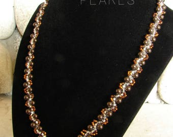 Elegant Pearl Necklace in Deep Brown