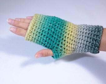 Gloves. Crochet fingerless wrist warmers arm warmers gloves.