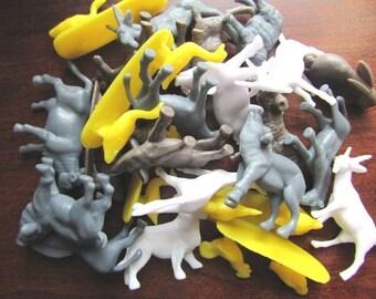 12 Plastic Animals Vintage Farm Animals