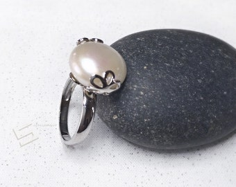 Large Baroque Pearl In Sterling Silver Ring, Coin Shape Real Large pearl & 925 Silver Prong Set Ring, White Pearl Ring, Boho Pearl Ring