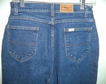 Vinatge LL Bean high waist rise mom jeans// 80's denim blue hipster outdoor USA// Women's size 8 Medium US