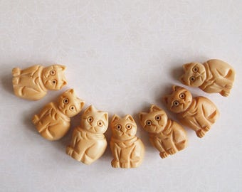 1 Bone Hand Carved Sitting Cat Bead Or Pendant Antique Colour Size 22 x 15mm