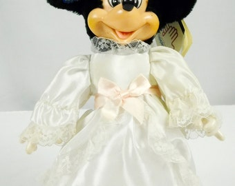 Vintage Applause Bride Bridal Wedding Minnie Mouse Dress Up Plush Doll Original Tags 10 Inches Tall White Dress Pink Bows Lace Wedding Decor