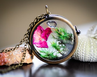 Terrarium necklace, Herkimer Diamond, Moss necklace, nature locket, flower necklace,gift for her
