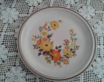 Four Dinner Plates (4 pc), vintage 1970s