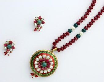 Red Double Sided Pendant Set