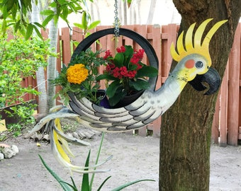 Outdoor Garden Planter - Bird planter - Bird feeder - Gardening Plant  Bird art - Handmade tire art - Tire decoration - toucan bird