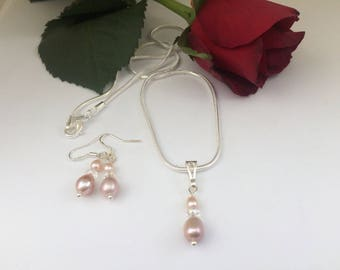 Peach Freshwater pearls and clear crystal pendant and earring set