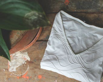 Vintage Short Sleeve Vneck / Marbled Embroidery White / Boho Bohemian Minimal