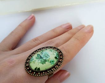 Flower ring / Green Glass ring / Oval glass ring / Green rose jewelry / Green ring / Floral ring / Botanical ring