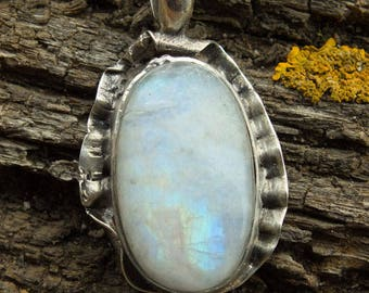 Moonstone silver - A small stone full of love