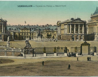 People & Old Auto at the Palace of Versailles FRANCE Antique Postcard Post Card Carte Postale