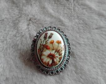 Flowers  cameo bronze brooch pin