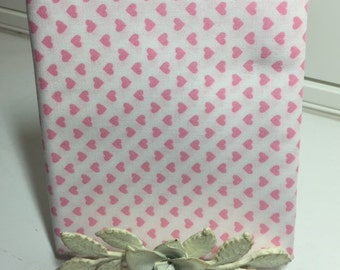 Sevenberry Petite Classiques FAT QUARTER  for Robert Kaufman * Pink Hearts on a white background * Perfect for baby or little girl quilts
