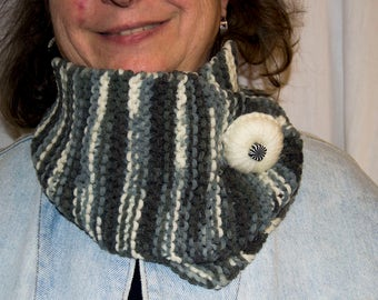 Collar snood scarf Open with wool button