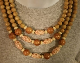 Vintage Colorful Bead Necklace / Natural Wood Tone