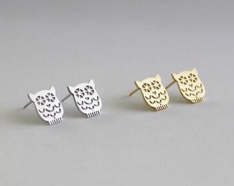 Night Owl Earrings / bird jewelry, owl studs, watchful eye, bird earrings, owl jewelry / E0-08