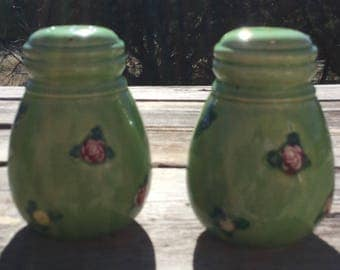 Vintage Ceramic Green Salt and Pepper Shakers, Floral Salt And Pepper Shakers, Japanese Salt And Pepper Shakers,