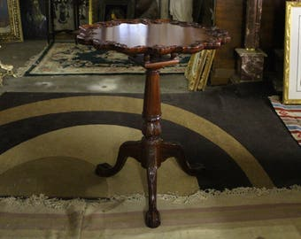 FABULOUS!!!!! Chippendale Style Mahogany Pedestal Table