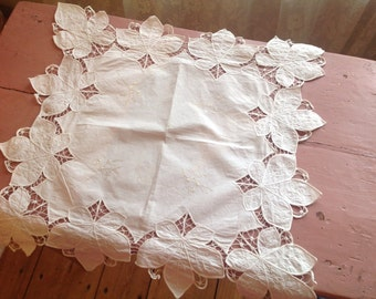Doily smaller table cloth handmade embroidered 1920s