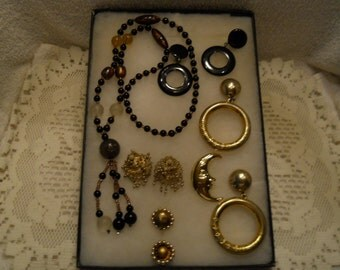 Vintage Jewelry Lot Necklaces Earrings Pins #847
