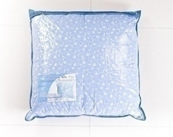 Puhoper'evaja pillow in cotton