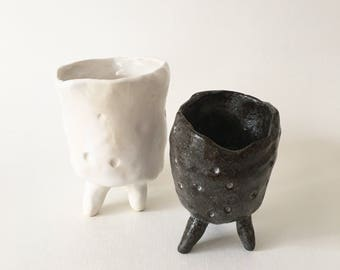 HARRY + EARL pair of legged pinch pots