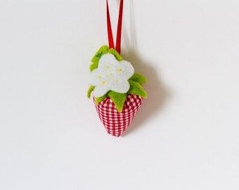 Small Strawberry Handmade Fabric Hanging Decoration, Fabric Strawberry Decoration, Fabric Gift Wrapping Decoration