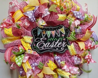 Easter Mesh Wreath, Easter Egg Mesh Wreath, Easter Door Hanger, Easter Decor, Spring Wreath, Spring Mesh Wreath, Easter Wreath