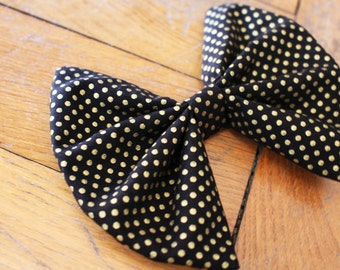 Bow tie printed pea golden hair and and shirt collar, hair accessory, fashion accessory