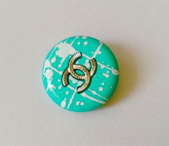 1x D24mm Authentic Chanel large size CC logo button
